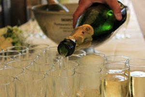 champagne-762697_640